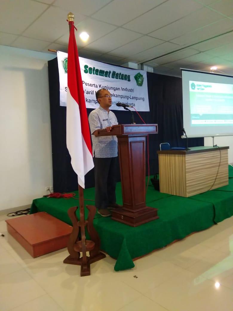 sambutan dekan FTTI UNJANI Yogyakarta di acara kunjungan industri smk maarif NU 06 sekampung